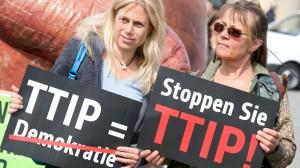 ttipgegnerinnen-protest-berlin