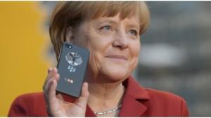 Merkel mit Blackberry 10 Cebit 2013 16 zu 9